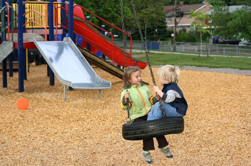 Playground tire swing