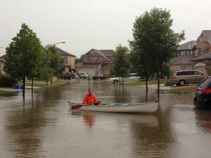 Street kayaking man