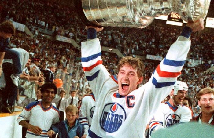 Wayne Gretzky with Stanley Cup